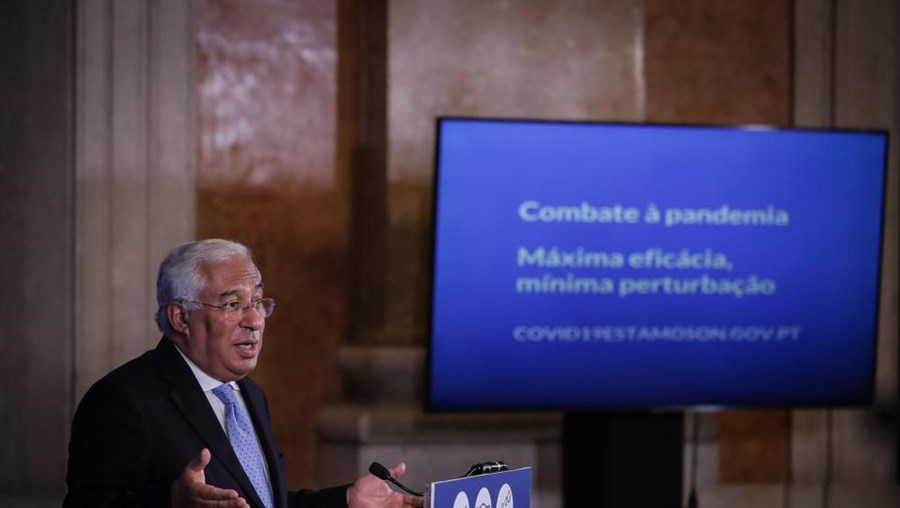 O primeiro-ministro, António Costa, apresenta em conferência de imprensa as conclusões da reunião do Conselho de Ministros extraordinária