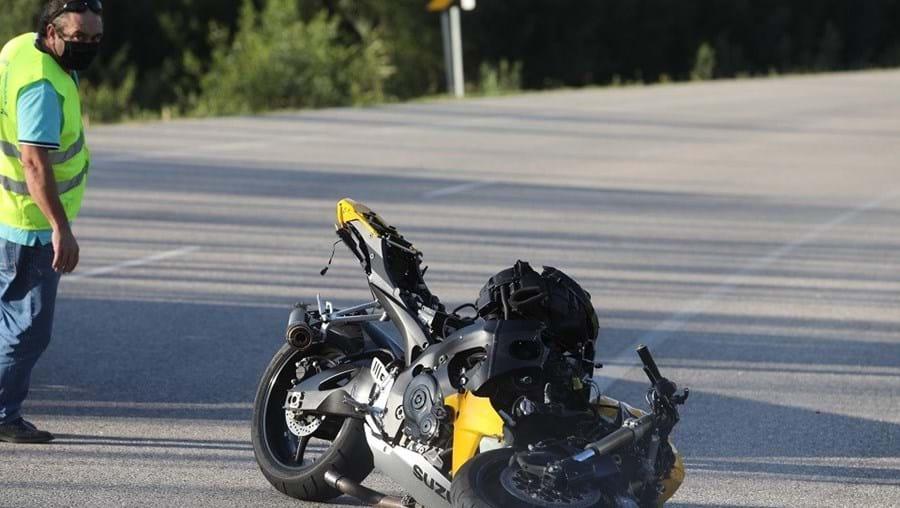 Um morto em colisão entre carro e mota em Mira