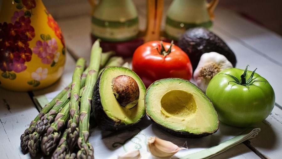 Vegans têm 43% mais probabilidades de fraturar ossos do que quem come carne
