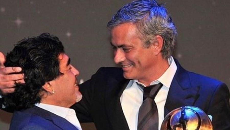 Mourinho com Maradona