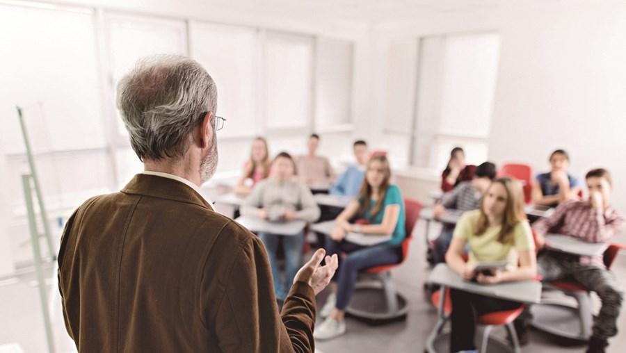 Consulta da Fenprof teve em conta respostas de docentes de todos os distritos e níveis de ensino, a grande maioria deles (78%) sindicalizados