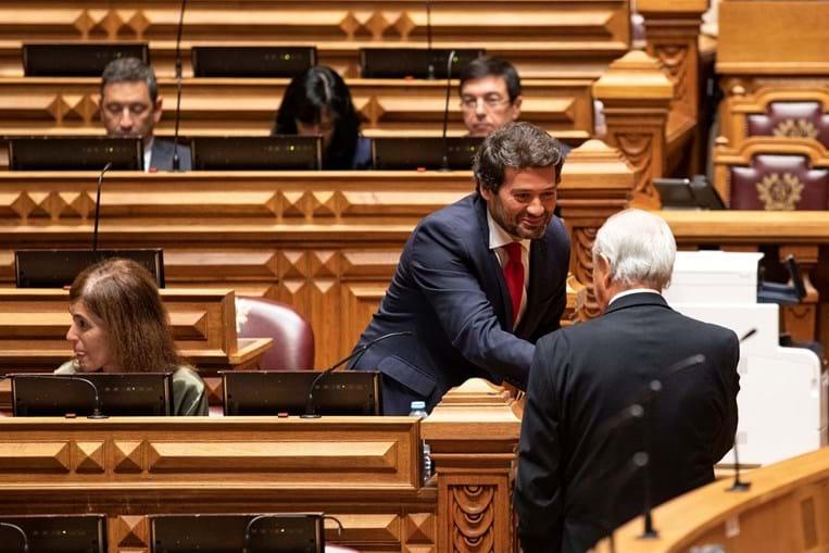André Ventura queria forçar Rui Rio a negociar mas o presidente do PSD deixará cair a revisão constitucional do Chega, apresentando depois propostas próprias
