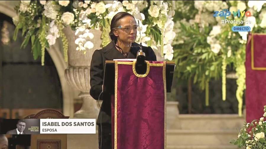 Isabel dos Santos leu uma oração pela morte do marido. De voz embargada, viúva não escondeu a dor