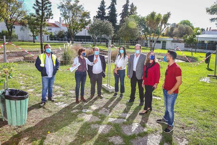 Responsáveis visitam Jardim, cujas obras vão ter um valor aproximado de 300 mil euros