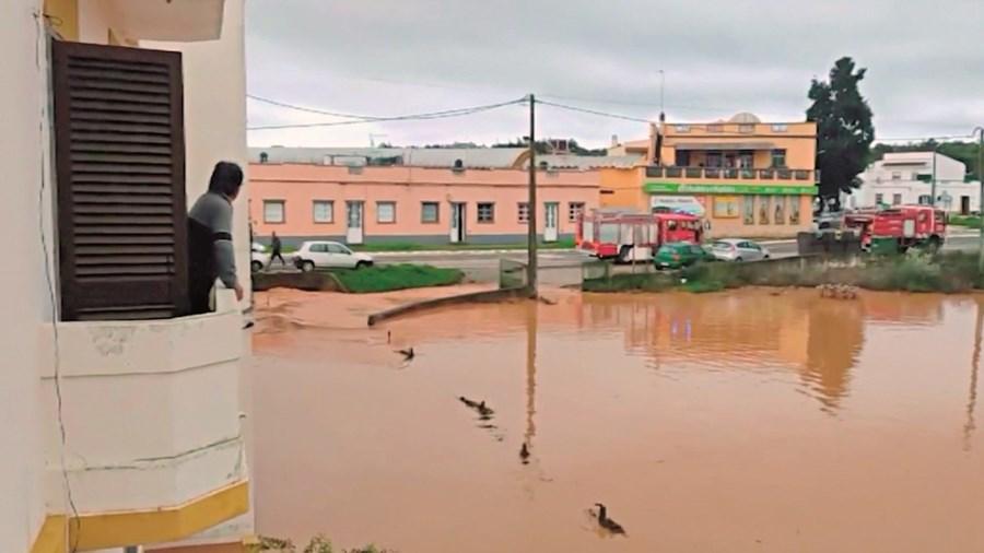 Terrenos inundados em Olhão