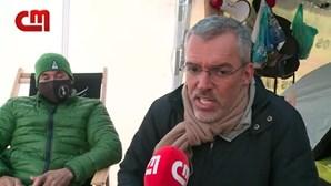 """""""É uma vergonha"""": Empresários da restauração em lágrimas pedem ajuda ao Governo após 4 dias em greve de fome"""