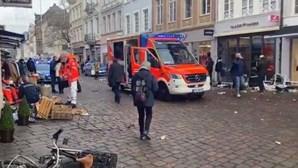 Bebé entre os quatro mortos em atropelamento na Alemanha. Há vários feridos