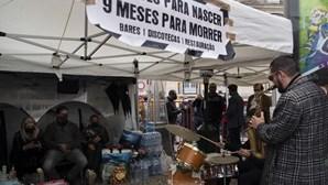 """Líder do CDS pede ao Governo """"humanidade e humildade"""" para empresários em greve de fome"""