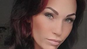 Mulher atrai jovem de 14 anos para sexo após o ter visto a jogar futebol