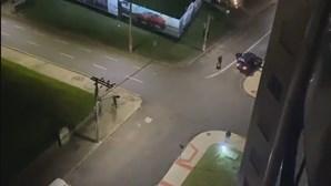 Reféns e estradas cortadas: Grupo de 30 encapuzados monta cena de filme para assaltar banco no Brasil