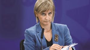 """""""Hospitais estão debaixo de uma elevadíssima pressão"""": Ministra da Saúde pede apoio """"de todos"""" na luta contra a Covid-19"""