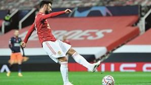 Bruno Fernandes chama por Nuno Mendes para o Manchester United