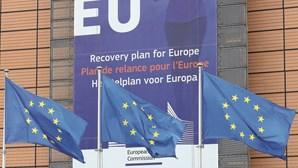 """Bruxelas prevê """"recuperação forte"""" da economia portuguesa a partir de julho"""