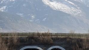 Jovem português caçado a 239 km/h em autoestrada na Suíça