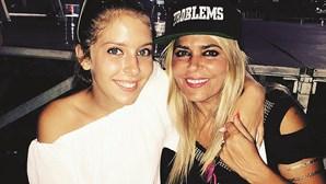 Família e amigos amparam a mãe de Sara Carreira em dias de dor