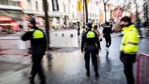 Polícia interrompe orgia ilegal na Bélgica junto a clínica de tratamento de doentes Covid