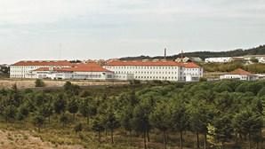 Pelo menos 19 presos infetados com Covid-19 em surto na cadeia de Sintra