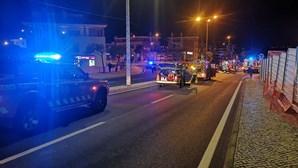Um morto e dois feridos em colisão entre carros em Albufeira