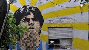 """""""Fui internada várias vezes com 40 quilos"""": A droga e os ciúmes doentios de Maradona contados por namorada"""
