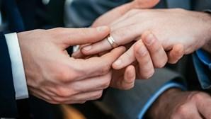 Polícia britânica põe fim a casamento com mais de 400 convidados em Londres