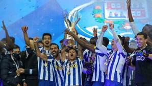 As imagens da festa do FC Porto após conquista da 22.ª Supertaça