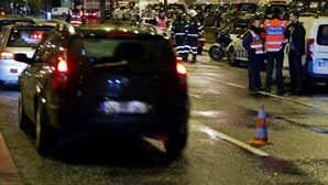 Polícia de férias caça bêbedo a conduzir em contramão em Sintra