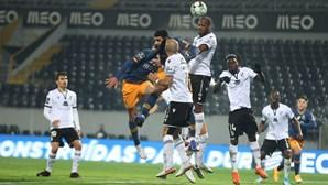FC Porto deu cambalhota com duas voltas em Guimarães