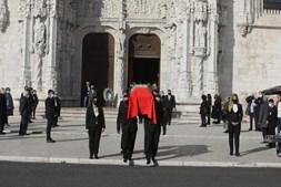 Foram várias as pessoas que marcaram presença no último adeus a Eduardo Lourenço