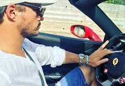 João Sotto-Mayor ao volante de um Ferrari Spider 488