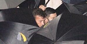A dor no rosto de Tony Carreira à saída do velório, na Basílica da Estrela