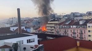 Explosão em prédio causa derrocada e provoca cinco vítimas no centro de Lisboa