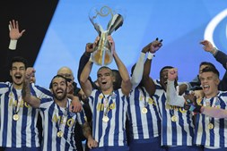 As imagens do FC Porto nos festejos da conquista da Supertaça