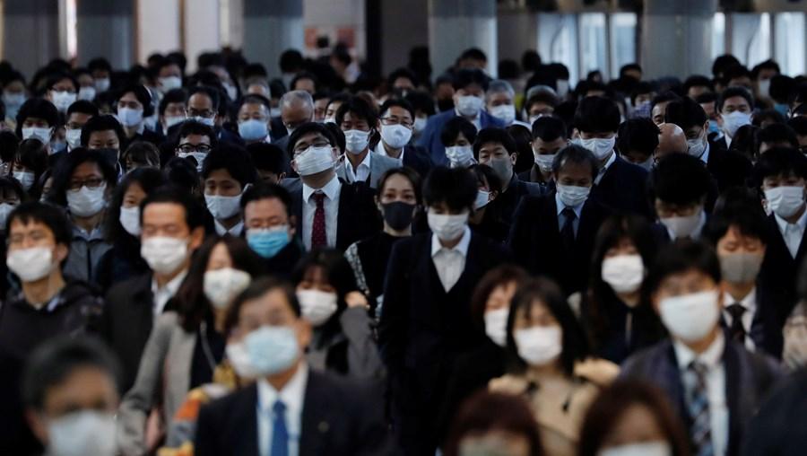 Japão vai distribuir vacinas gratuitas da Covid-19 aos 126 milhões de habitantes