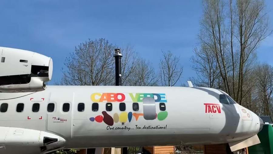 Parque de campismo holandês transforma avião cabo-verdiano em alojamento