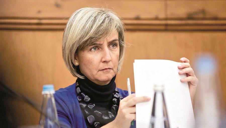 Marta Temido acusa regulador de ter extravasado as suas funções
