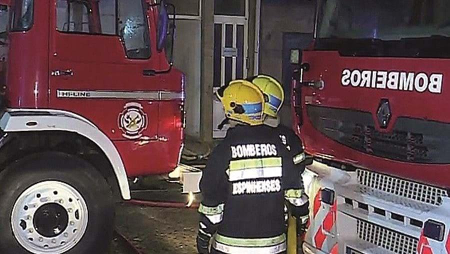 Bombeiros resgataram idosa