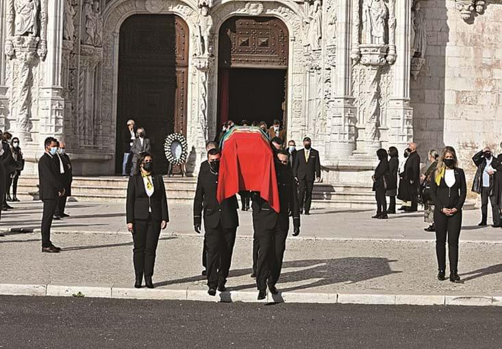 Missa de corpo presente teve lugar na Igreja dos Jerónimos, em Lisboa