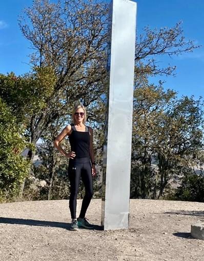 Monólito surge na Califórnia