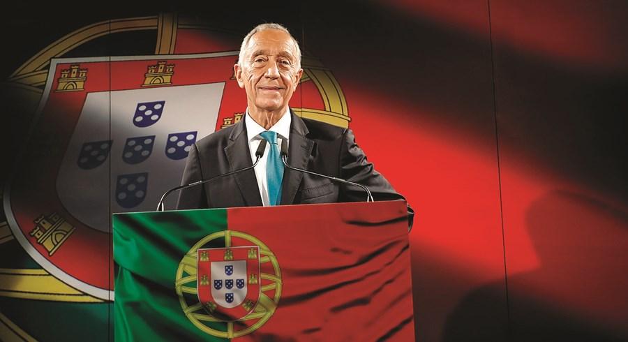 Vídeo projetou a imagem da bandeira de Portugal. Pastelaria foi  palco do anúncio da recandidatura a Belém