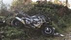 Pai morre e filho de 11 anos salva-se em despiste de mota