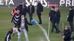 Gelo obriga a adiar jogo entre Vitória de Guimarães e Farense. Veja as imagens