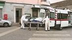 Linha SNS 24 lança alerta para pai e filho mortos com Covid-19
