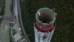 Dupla escala a chaminé mais alta da Europa em 7h32 minutos. Veja as imagens impressionantes