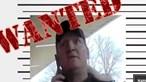 Polícia lança caça a negacionista da Covid-19 que tentou tirar oxigénio a idoso nos UCI do Reino Unido