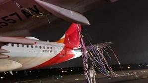 Avião embate com balão ao aterrar no aeroporto em Bogotá na Colômbia
