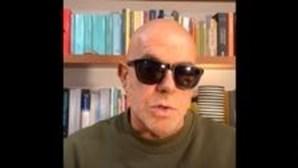 """""""Conseguia fazer-nos chorar"""": Pedro Abrunhosa recorda amigo Carlos do Carmo"""