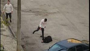 Irmãos filmados a espancar jovem em Coimbra em fuga há três anos