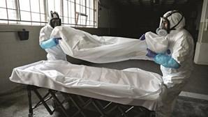 Cadáveres ao lado de doentes internados em Lisboa