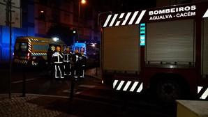 Dois jovens intoxicados por fogareiro dentro de quarto em Sintra