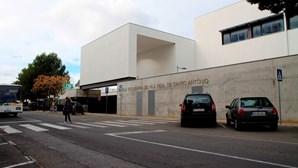 Perde visão a trabalhar no Algarve e sobrevive com 240 euros por mês por demora na Justiça
